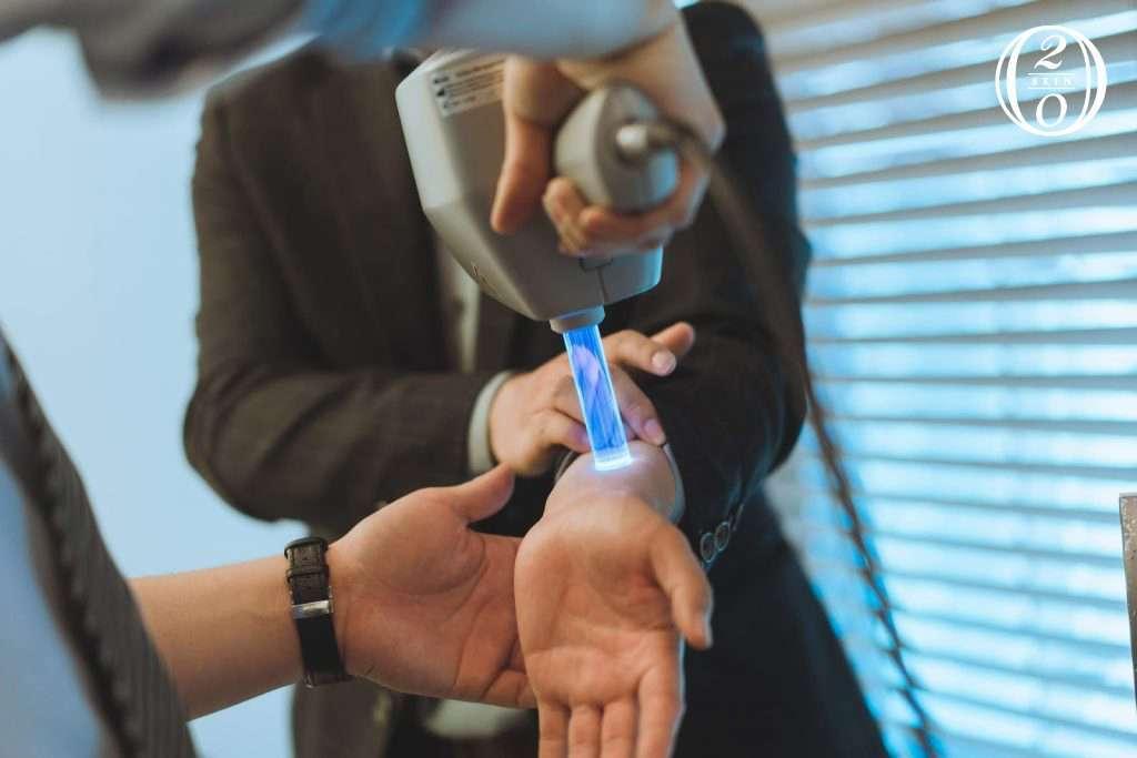 308準分子照光機,可提升照光治療效果。
