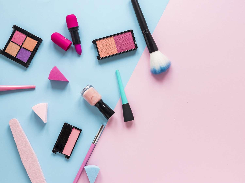 許多標示有防曬功能的彩妝品