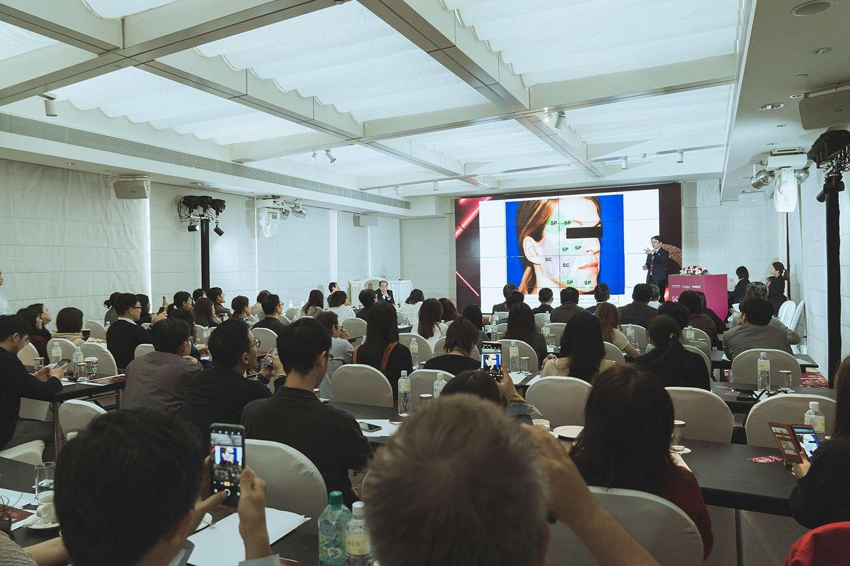 黃勇學醫師於Sculptra舒顏萃大型研討會中,分享優雅線雕注射拉提